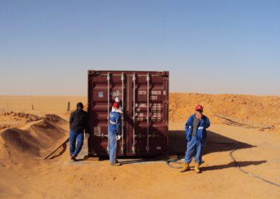 BioContenedor en una exploración petrolera en el desierto, al sur de Libia